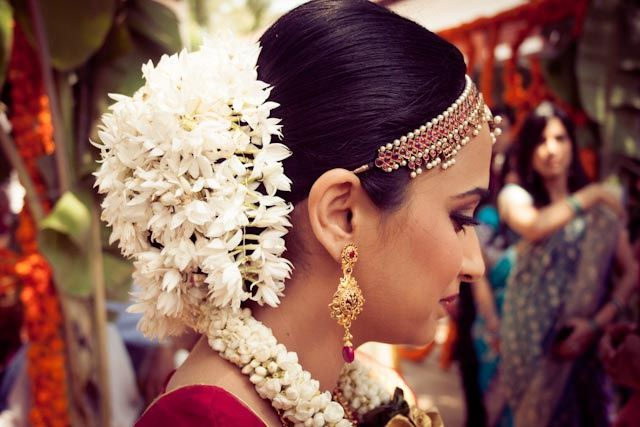 Mehndi Flower Garlands : Gajra a g`ajra is flower garland which women in pakistan india