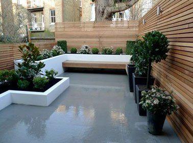 Un banc de jardin en bois sur une terrasse design | Gardens