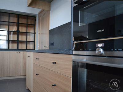 Keuken Kasten Melamine : Keuken i fineer i eik i gelakt staal i dekton maatwerk