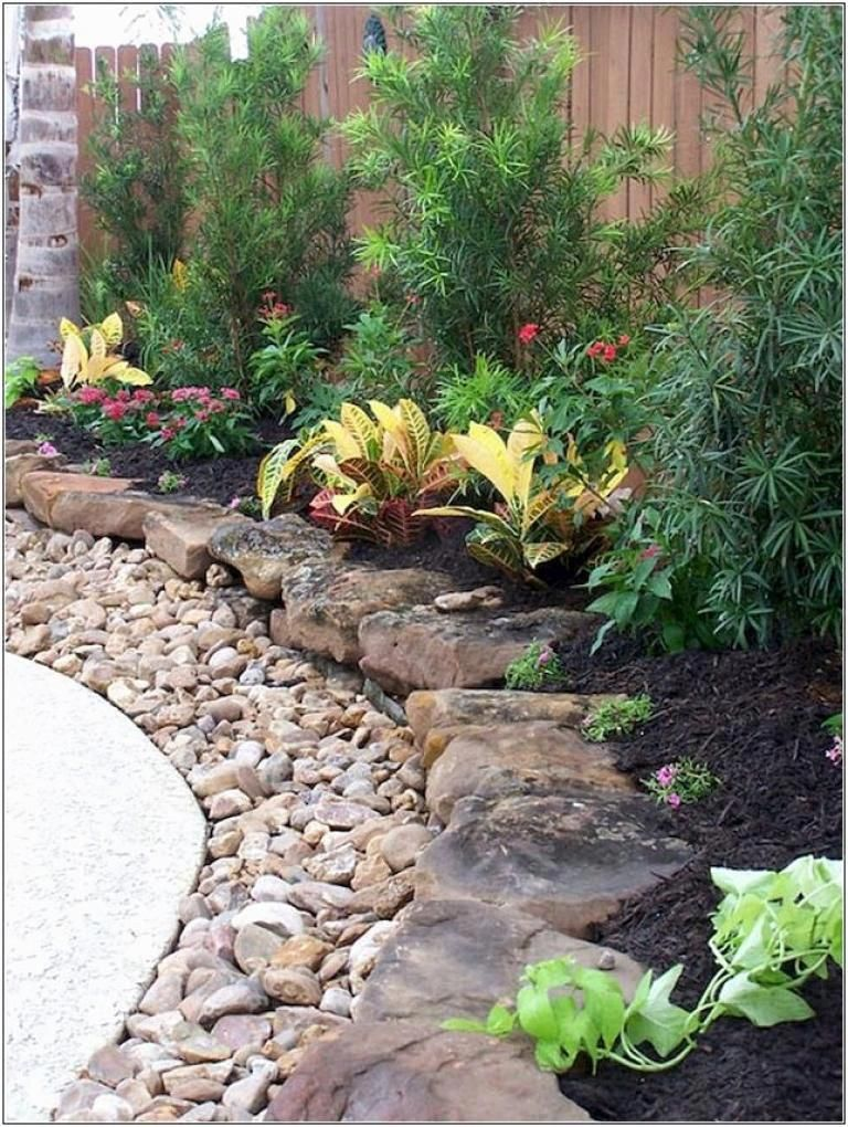 40 Beautiful Simple Rock Garden Decor Ideas For Your Front Or Back Yard Small Backyard Landscaping Backyard Landscaping Designs Backyard Garden Landscape