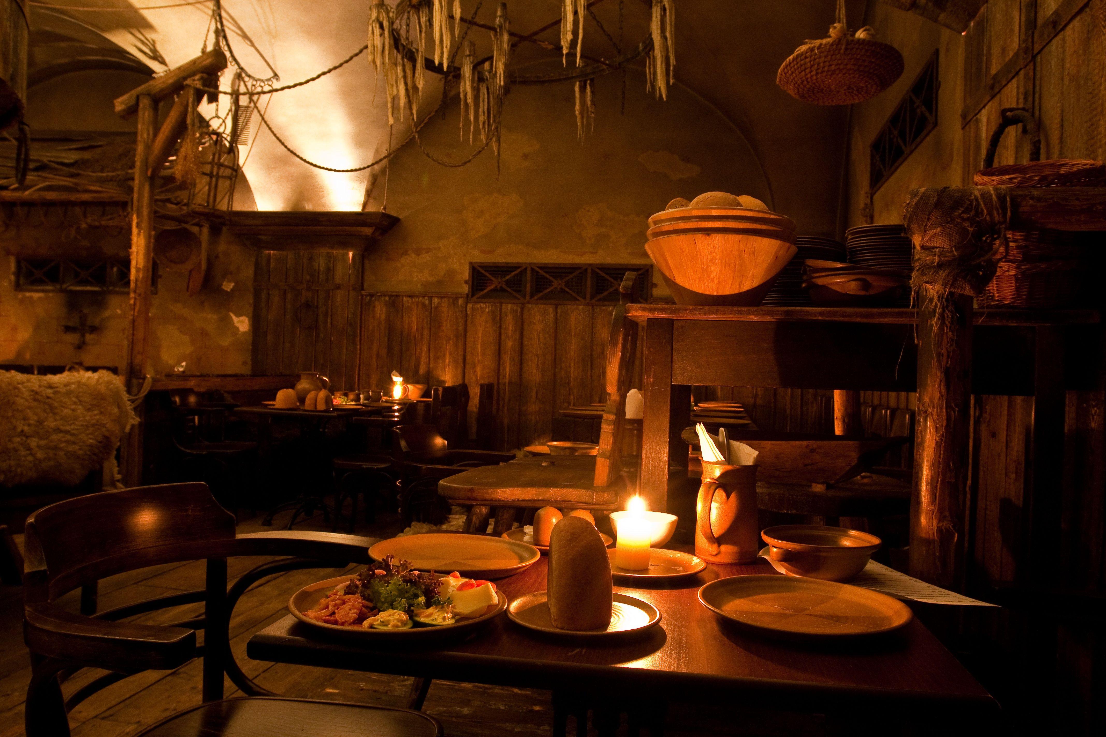 U Pavouka Medieval Tavern 3 Medieval Table View Photos