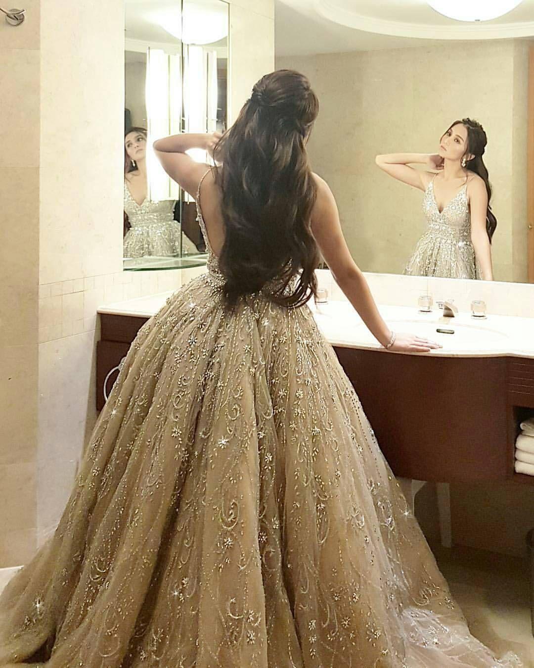 Pin By Hannah Sherlock On Soiree Backless Lace Wedding Dress Wedding Dress Champagne Dresses