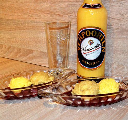 Eierlikör Rezept: zweierlei Eierlikör-Mousse auf einem Bett aus heißen Kirschen - Dessertrezepte - VERPOORTEN
