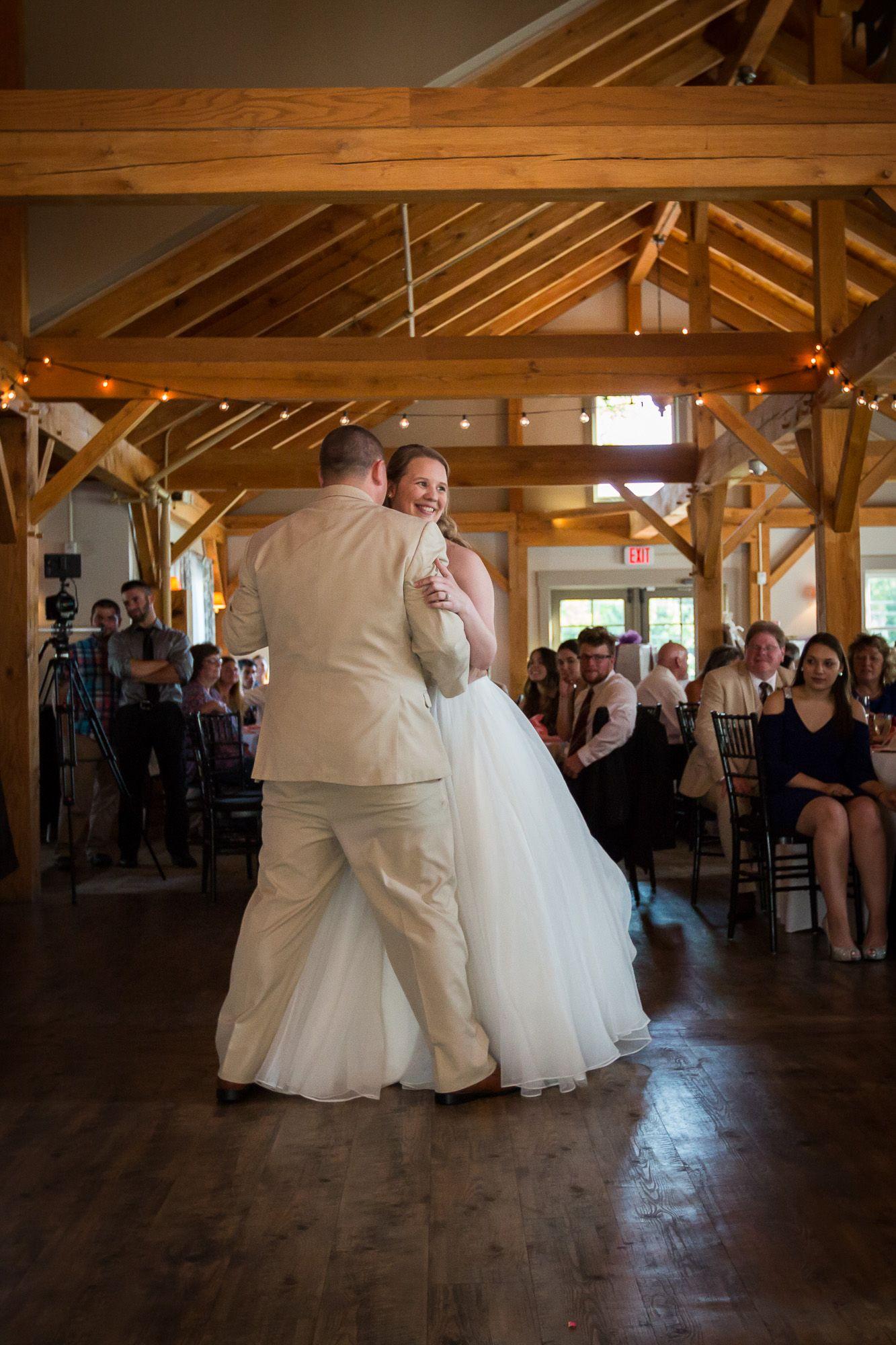 Sturbridge Ma Wedding Venue Barn At Wight Farm Ct Wedding Photography Trailing Twine Photography Llc Ma Wedding Venues Farm Wedding Barn Wedding Venue