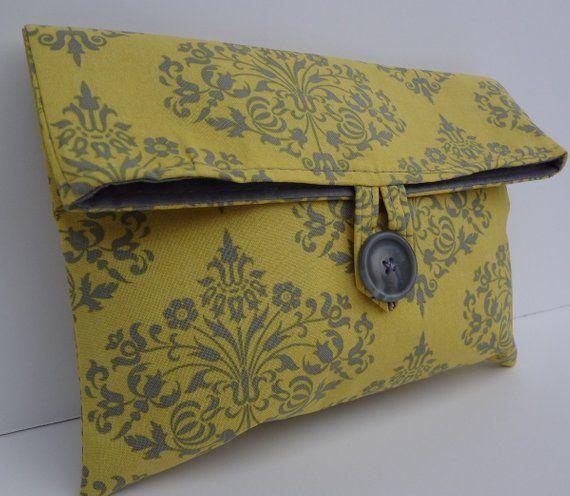 Artículos similares a bolsa de maquillaje cosmético, bolso de dama de honor, fuente de mostaza de mayordomo de amy – tamaño mediano en etsy