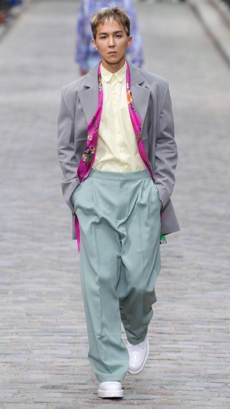Mino Being The 1st Ever Kpop Idol To Walk The Paris Fashion Runway Winner Song Mino Minoxlv Kpop Fashion Winner Yg Fashion