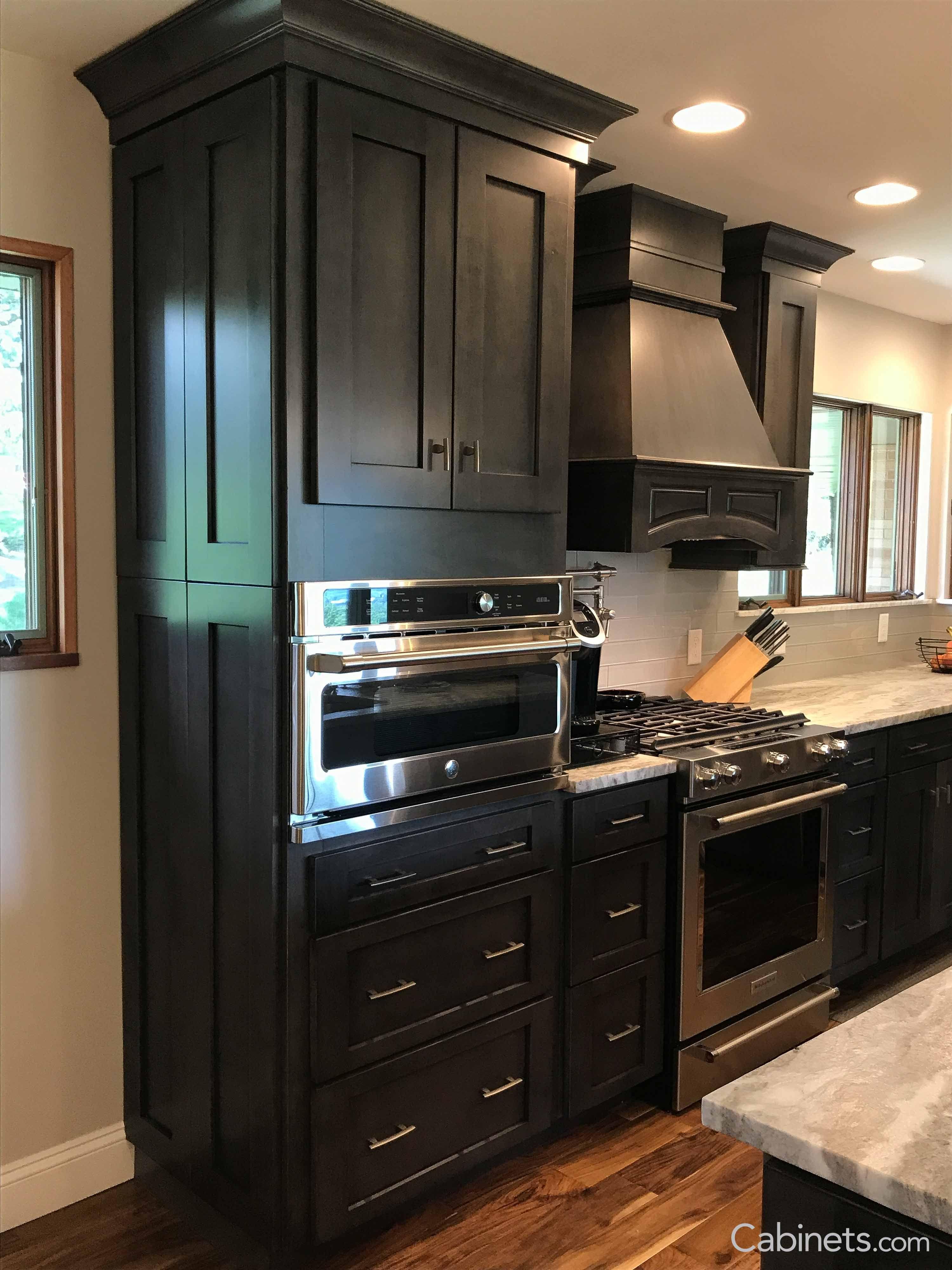 shaker kitchen cabinets travertine tile for backsplash in beautiful style