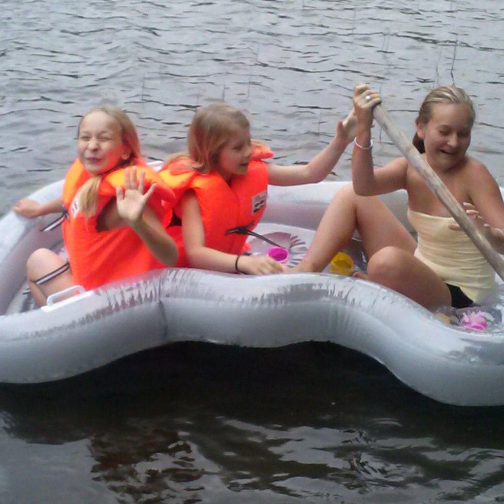 #lapset #mökki #vesi #kumivene