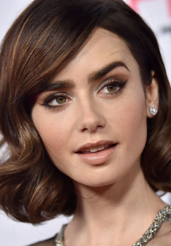 Lily Collins She Looks Like She S From The Late 50 S Early 60 S