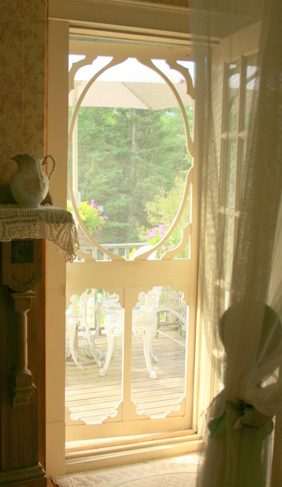 Country Living Now Thats A Screen Door Grandmas Had A Great