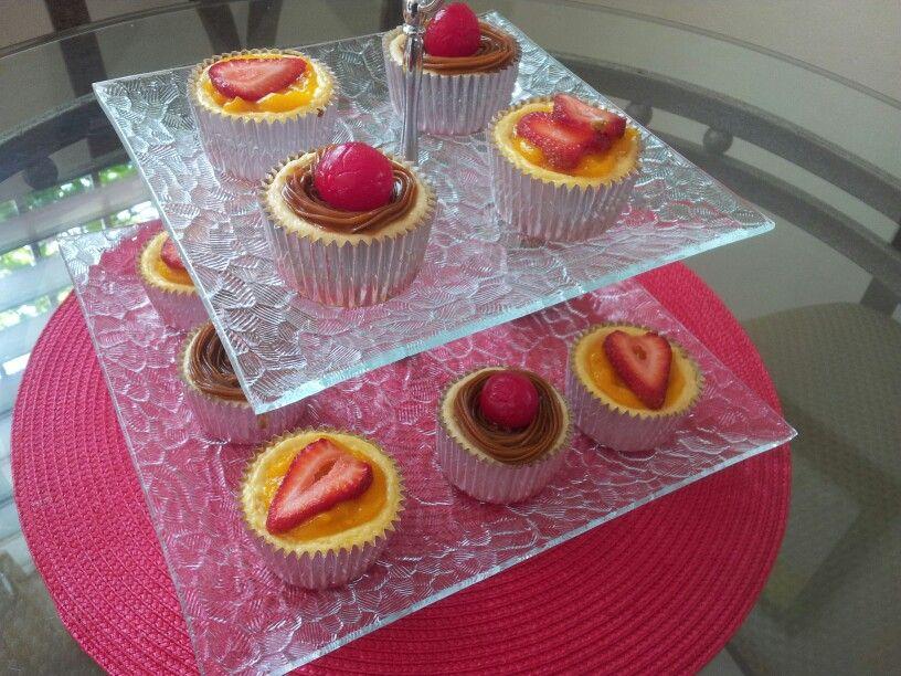 Mini Cheesecake mango-fresa y dulce de leche