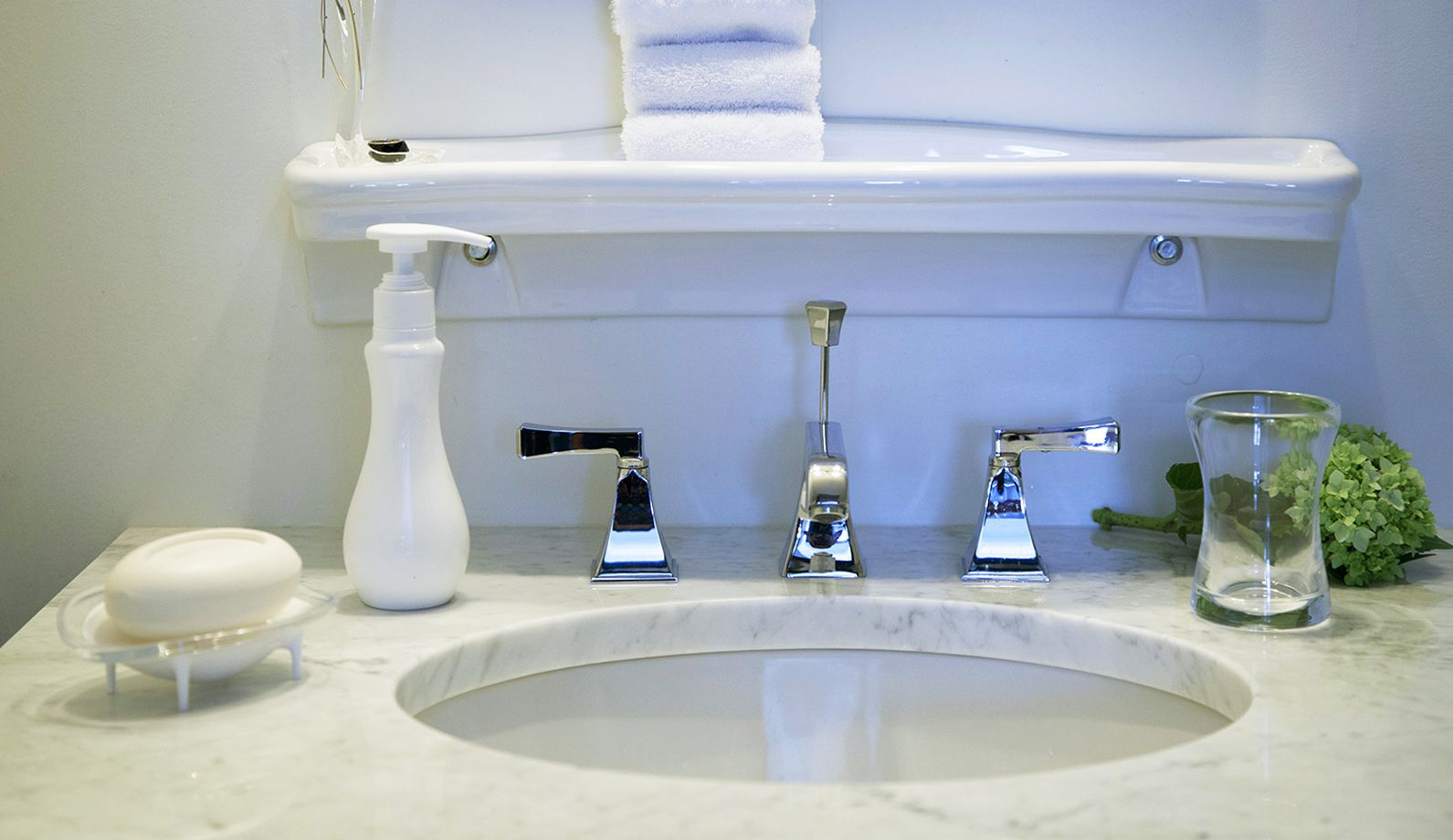 Nice Daisy Bathroom Accessories Motif - Bathroom - knawi.com