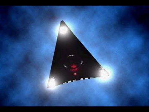 UFO SIGHTING TWO PLANES ESCORT TRIANGLE UFO AUGUST, 2013 - YouTube