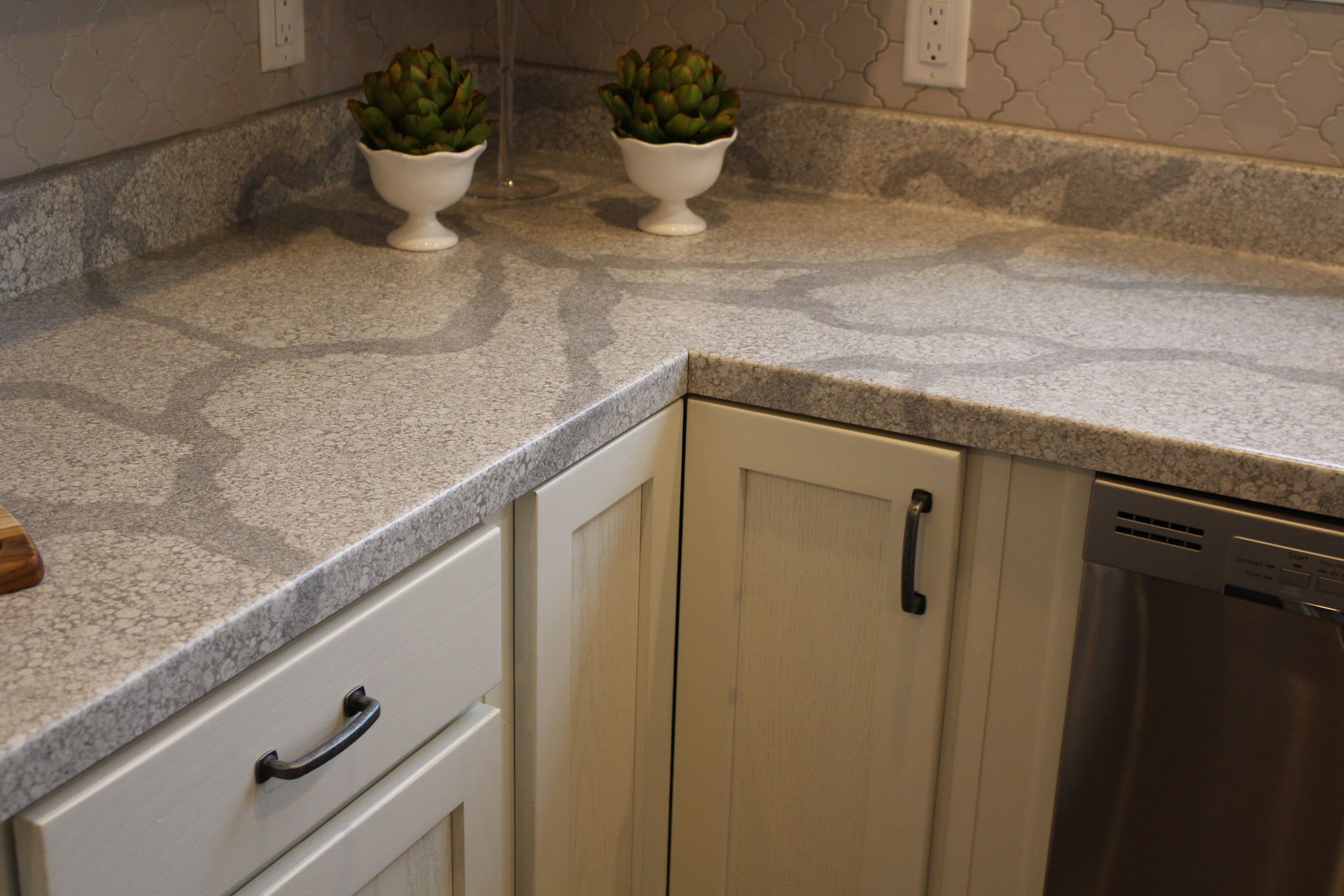 White Alabaster Kith Cabinets And Formica Tops Franklin Homes