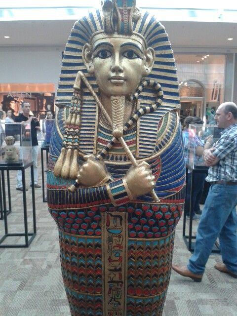 Miniatura do sarcófago de Tutancamon