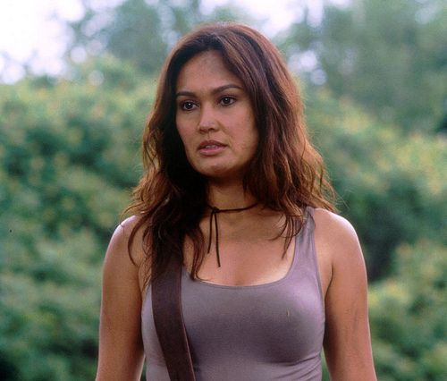 Sydney Fox (Tia Carrere) in Relic hunter