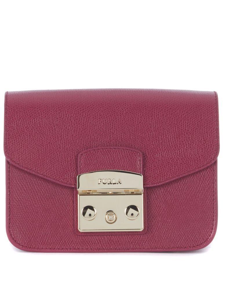 dec58df377 FURLA Borsa A Tracolla Furla Metropolis Mini In Pelle Rosso Amarena. #furla  #bags # #