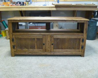 Rustic Pallet TV Stand, Chicken Wire Doors, Sideboard, Reclaimed Wood, Shabby  Chic