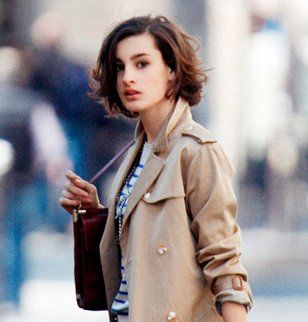 Pin By Thais Mazelli On Hairy Nine D Urso Short Hair Outfits French Women Style
