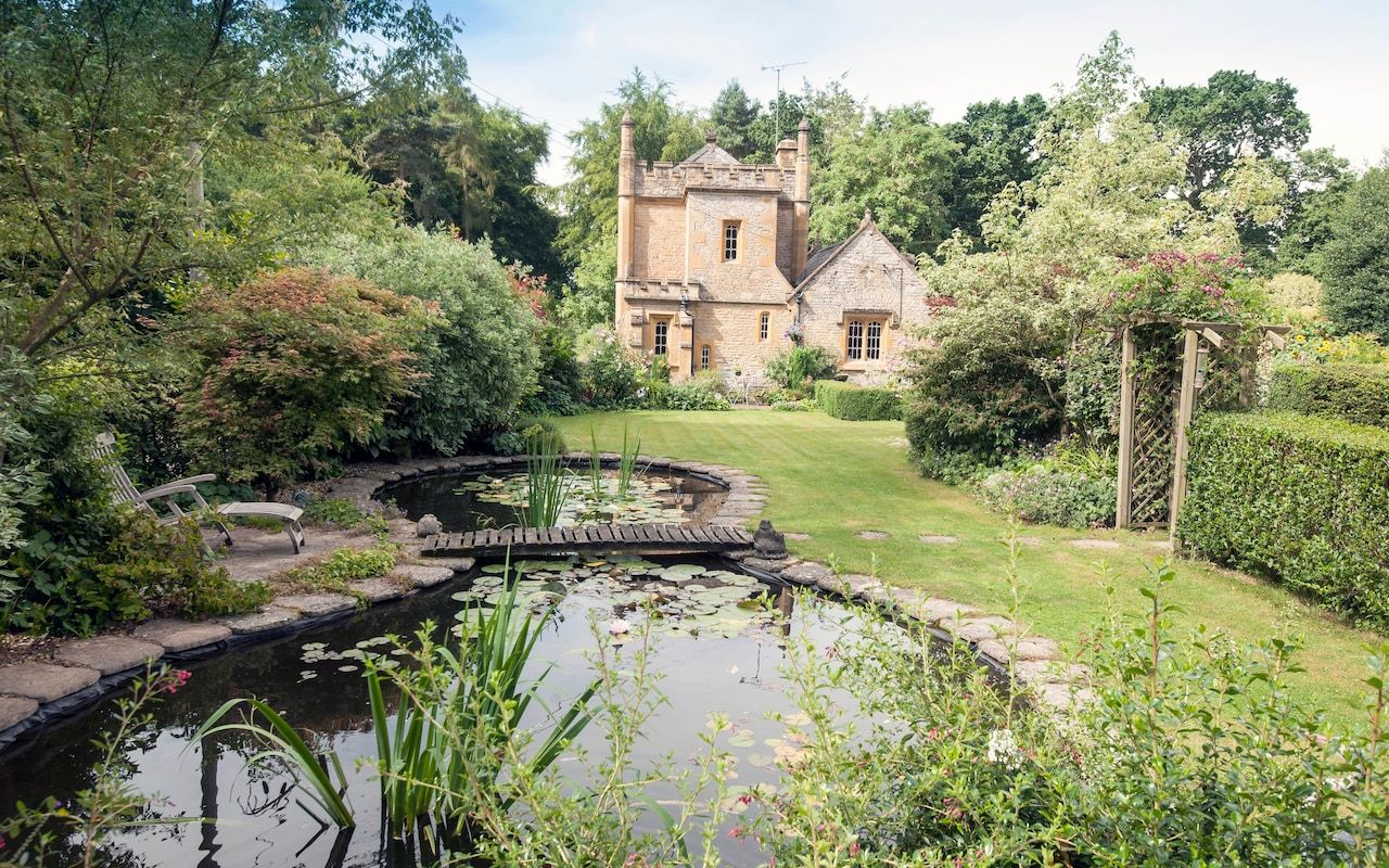 UK's smallest castle on sale for £550,000 Small castles