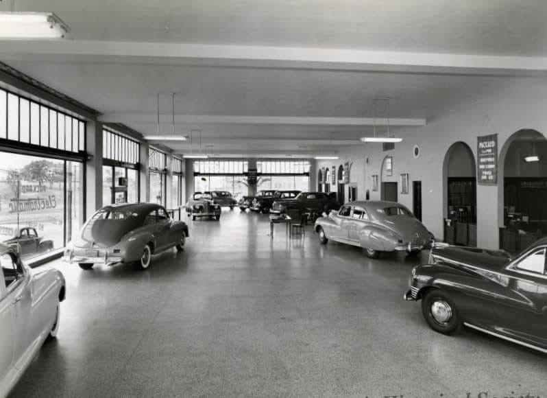 1941. Reid-Ward Packard Motor Company, 2735 Main in Kansas City ...