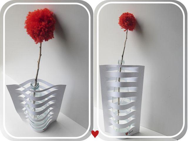 DIY: Cómo hacer un jarrón con papel y una botella, por Yonolotiraría : x4duros.com