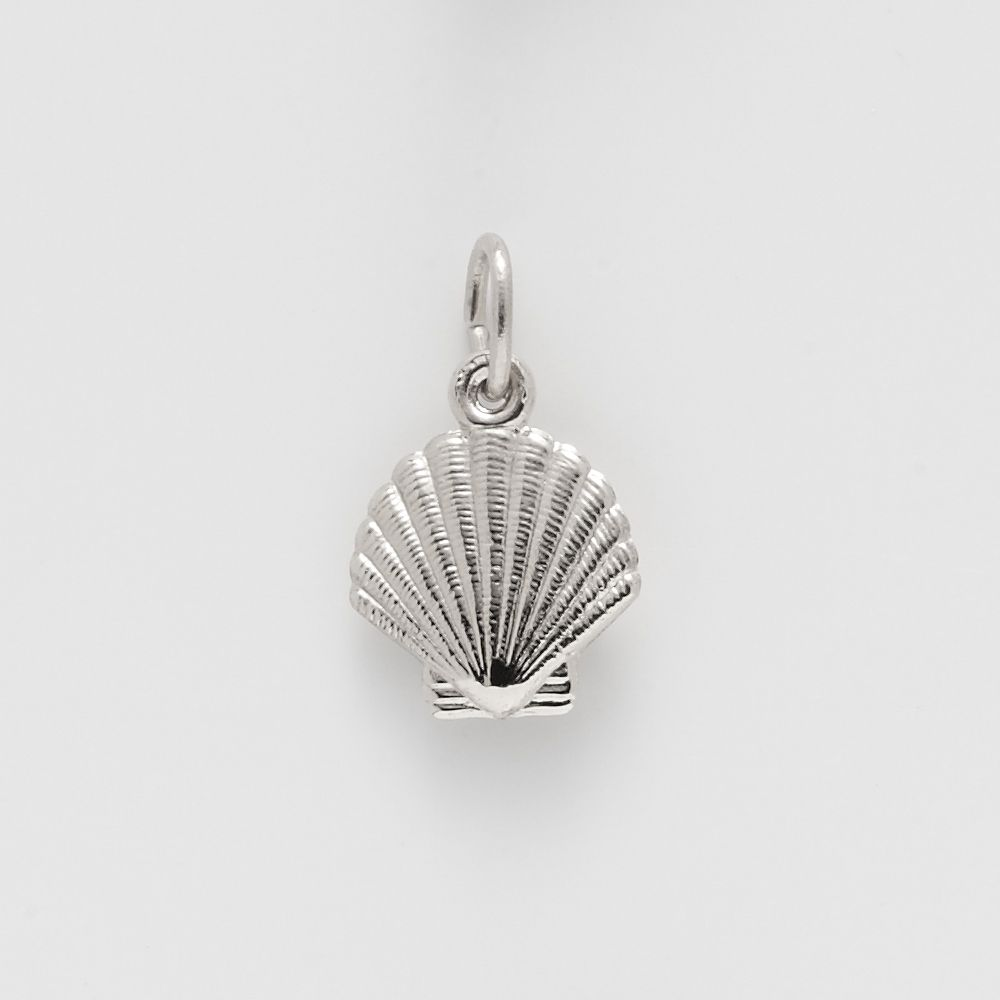 We love the Beach in Charleston! This seashell is available in sterling silver, gold, and gold plate. item #4085