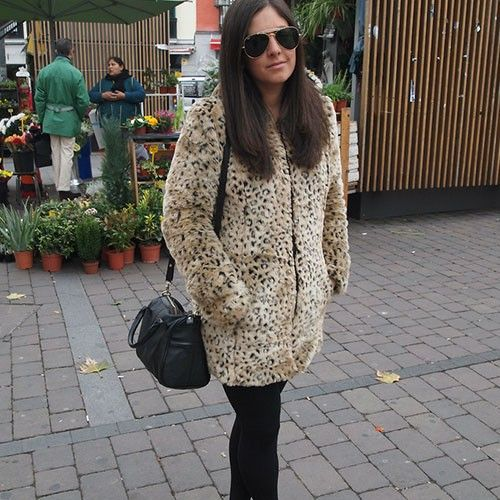 Price:$52.99 Material: Wool Color: As picture Stylish Street-chic Leopard Print Hood Overcoat Coat