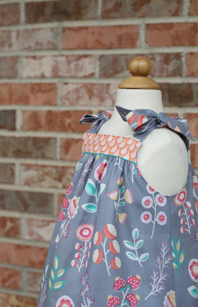 Summer Picnic Dress Free Pattern From The Cottage Mama Picnic Dress Sewing Kids Clothes Little Girl Dresses [ 1190 x 768 Pixel ]