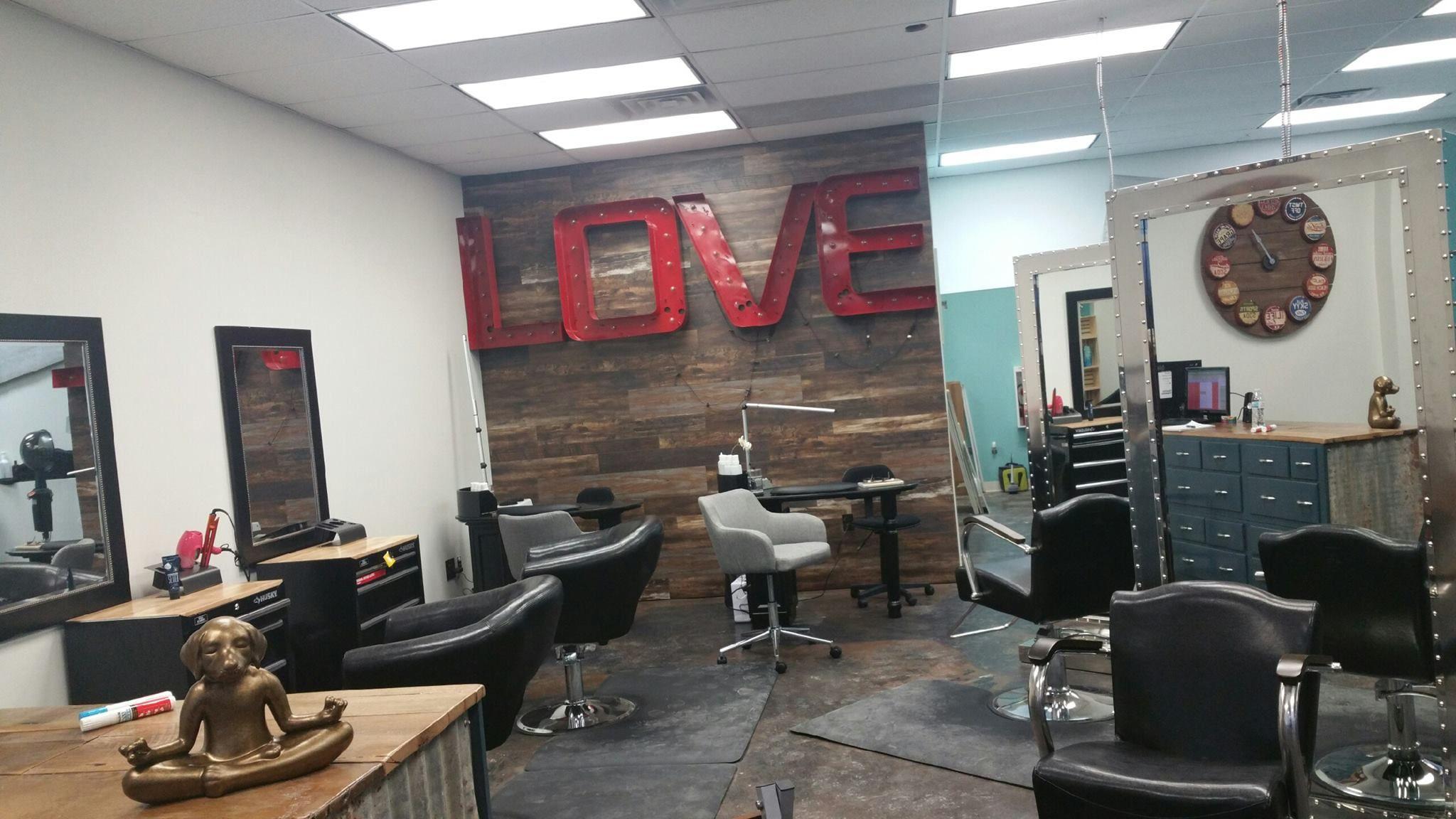 Hello Darlin Hair Studio And Spa Home Decor Hello Darlin Room