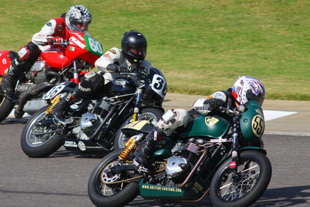 Competencia cafe racer Thruxton Cup