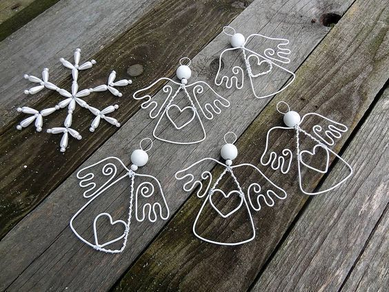 Original DIY Christmas ornaments and decoration made of thin wire