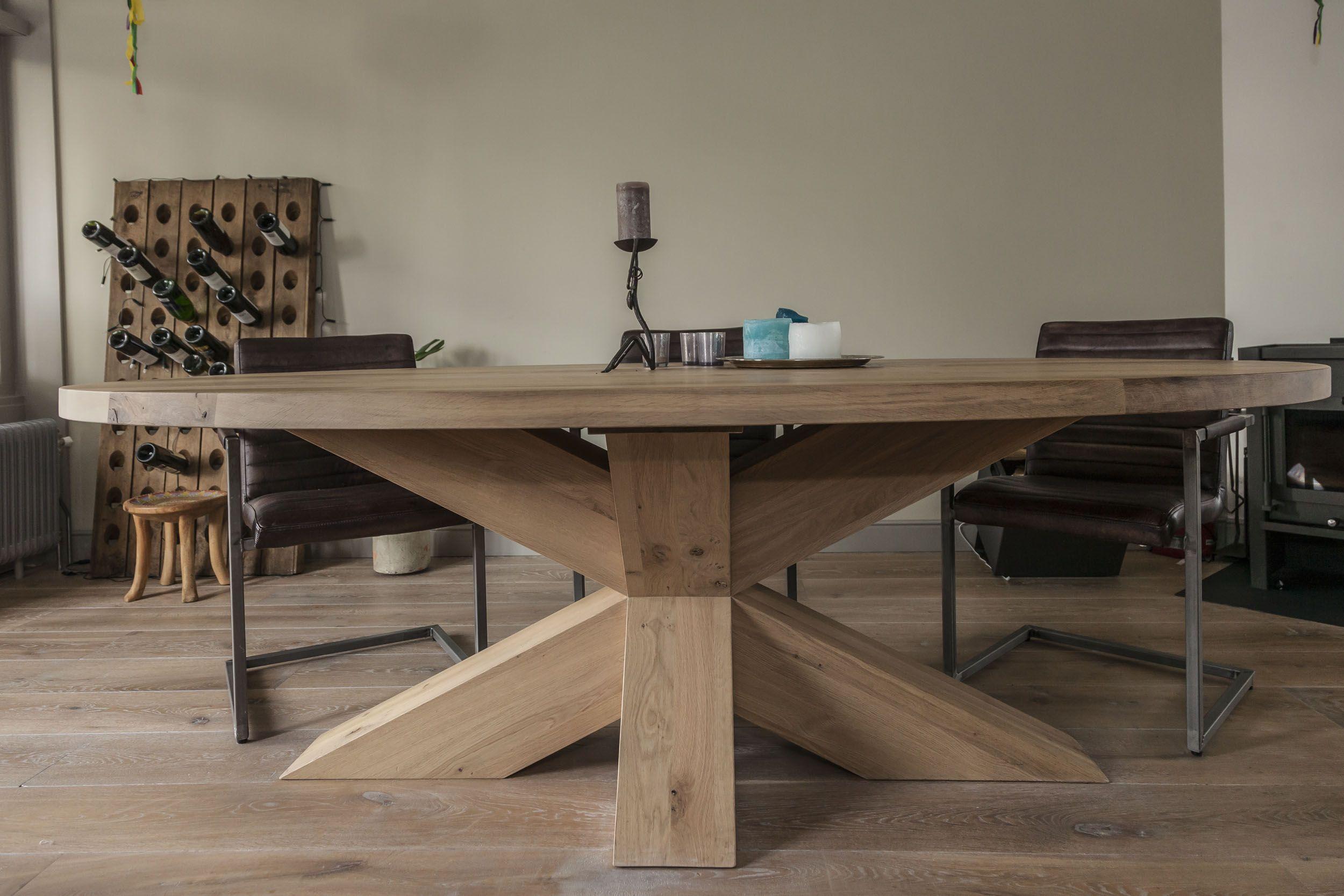 Massief eiken houten ovale tafel for Houten eettafel design