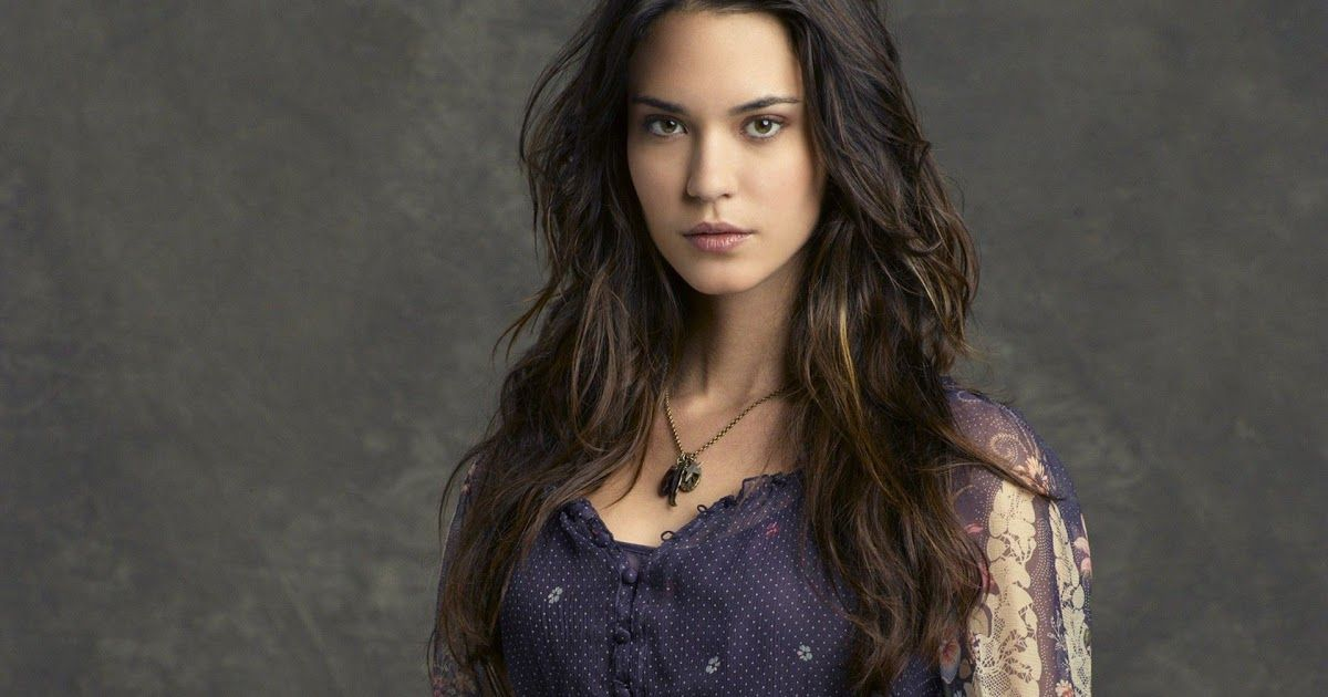 Odette Annable Hd Wallpapers For Desktop Download Odette Annable Supergirl Actresses