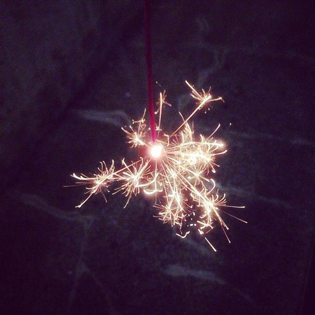 now-im-sane:  mutoayamiさんの写真  今年の夏休みは花火で終わり。2014's summer ありがとう #花火 #2014'ssummer
