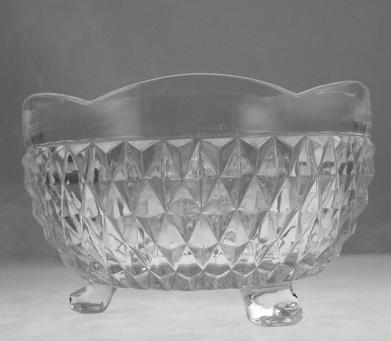 Vintage Indiana Glass Diamond Point Scalloped Candy Bowl