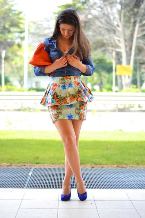 b4f3cf8240 denim shirt and floral skirt - Bing Images | Cutesy & Chic Outfit ...