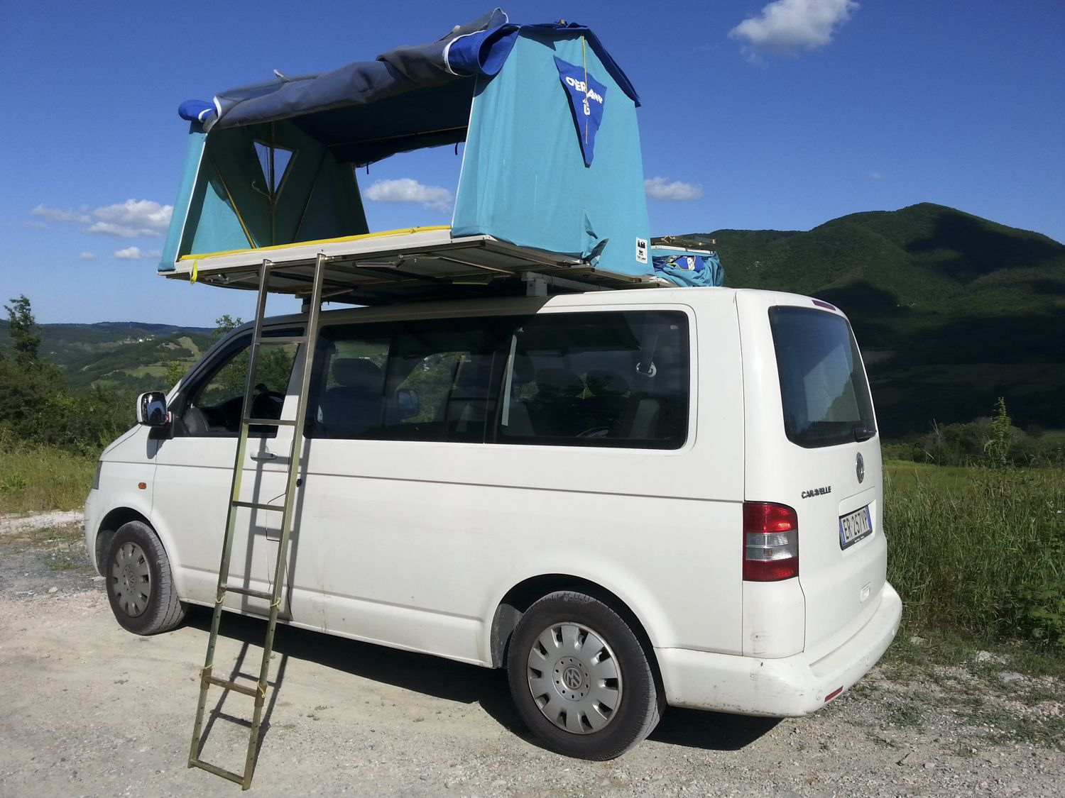 vw t5 overcamp tenda da tetto roof tent maggiolina. Black Bedroom Furniture Sets. Home Design Ideas