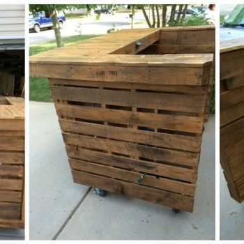 Backyard pallet western themed bar pallet ideas for Building a tiki bar from pallets