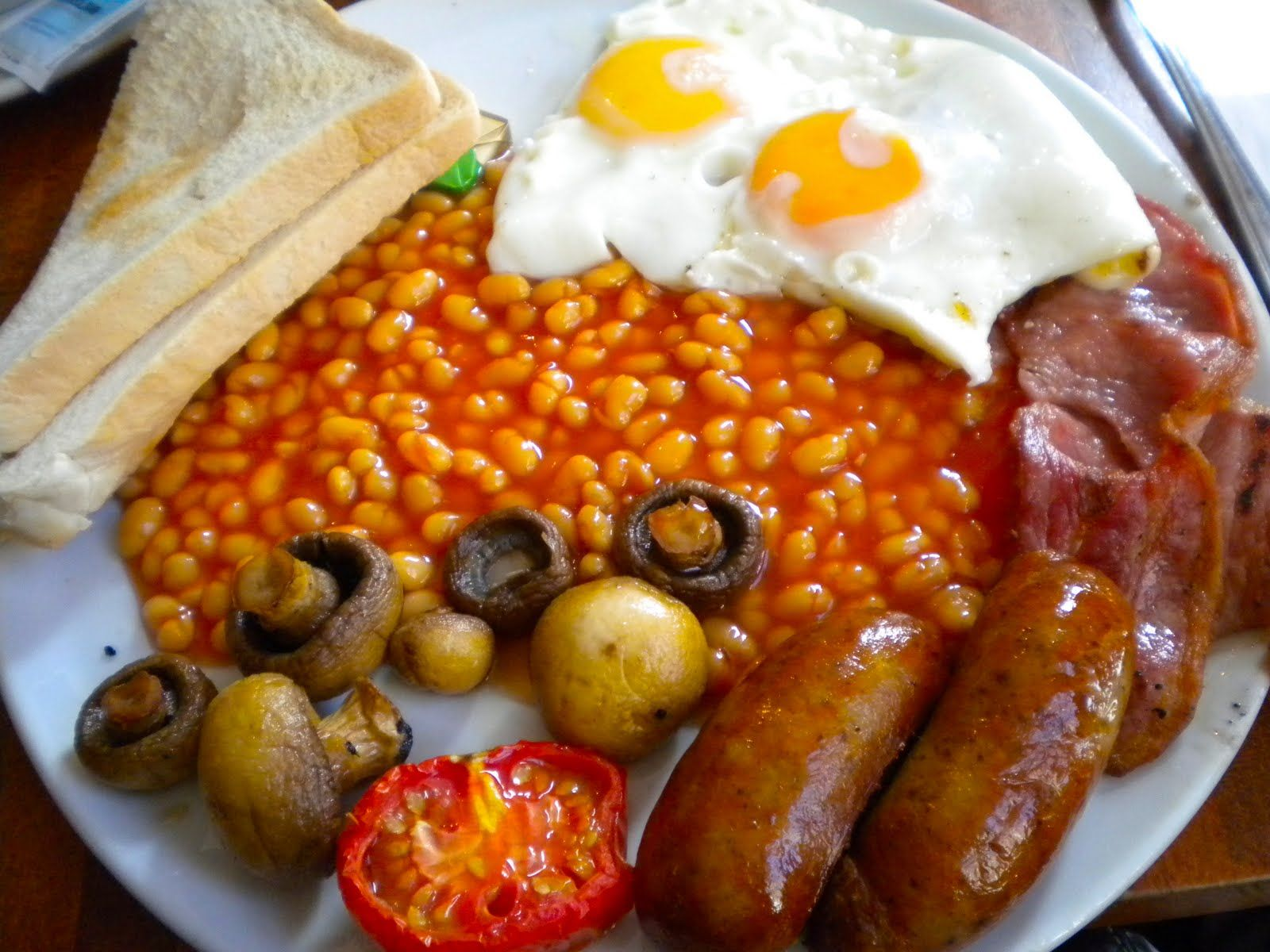 A Jolly Good Food Tour | Healthy fast food breakfast, Full ...