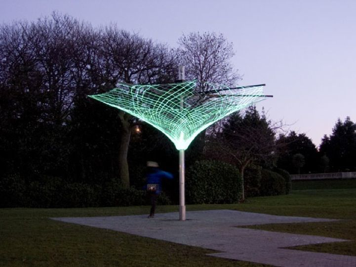 Solar Powered Tree Provides Light to Poor Neighborhoods - My Modern Metropolis
