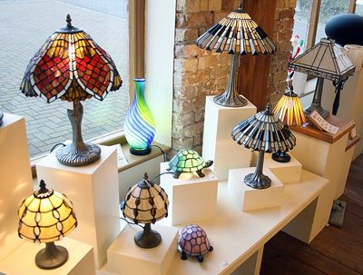 Cool Ways To Incorporate Tiffany Lamps And The Art Nouveau Style In Your Modern Home Decor