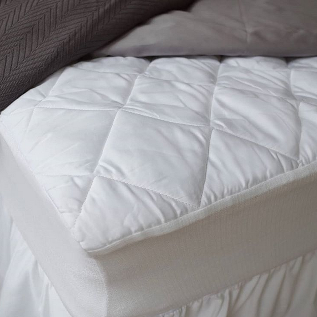 Our Mattress Pads Cinch To Your Mattress So You Never Have To Worry About Adjusting They Are Temperature Regulating And Perfect Adjustable Beds Bed Rv Bedding