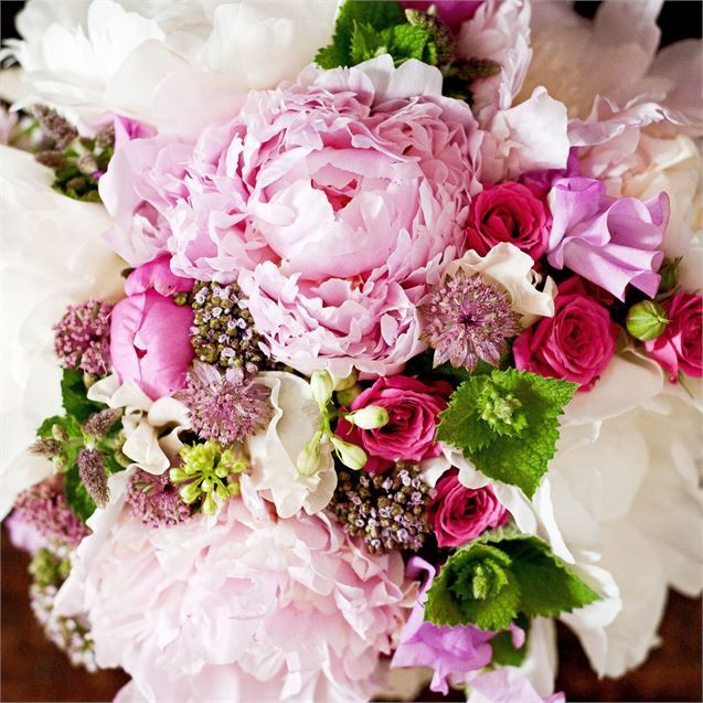 Lynsey and josh hired springbank flowers in manchester to style the lynsey and josh hired springbank flowers in manchester to style the flowers on their wedding day mightylinksfo Choice Image