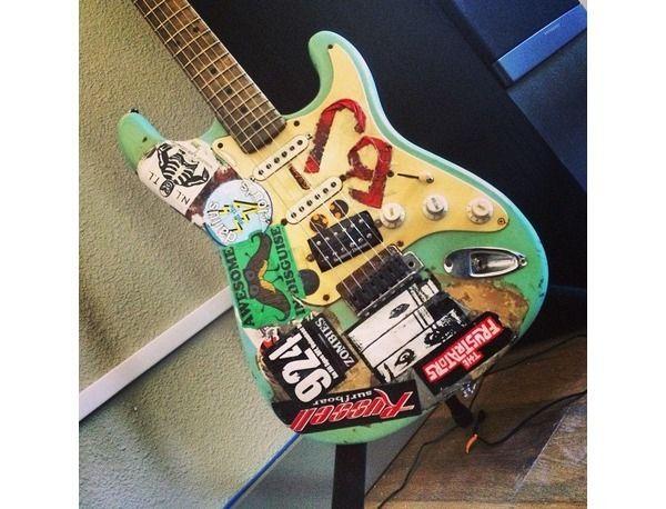 Billie Joe Armstrongs Fernandes Stratocaster Blue Musicians
