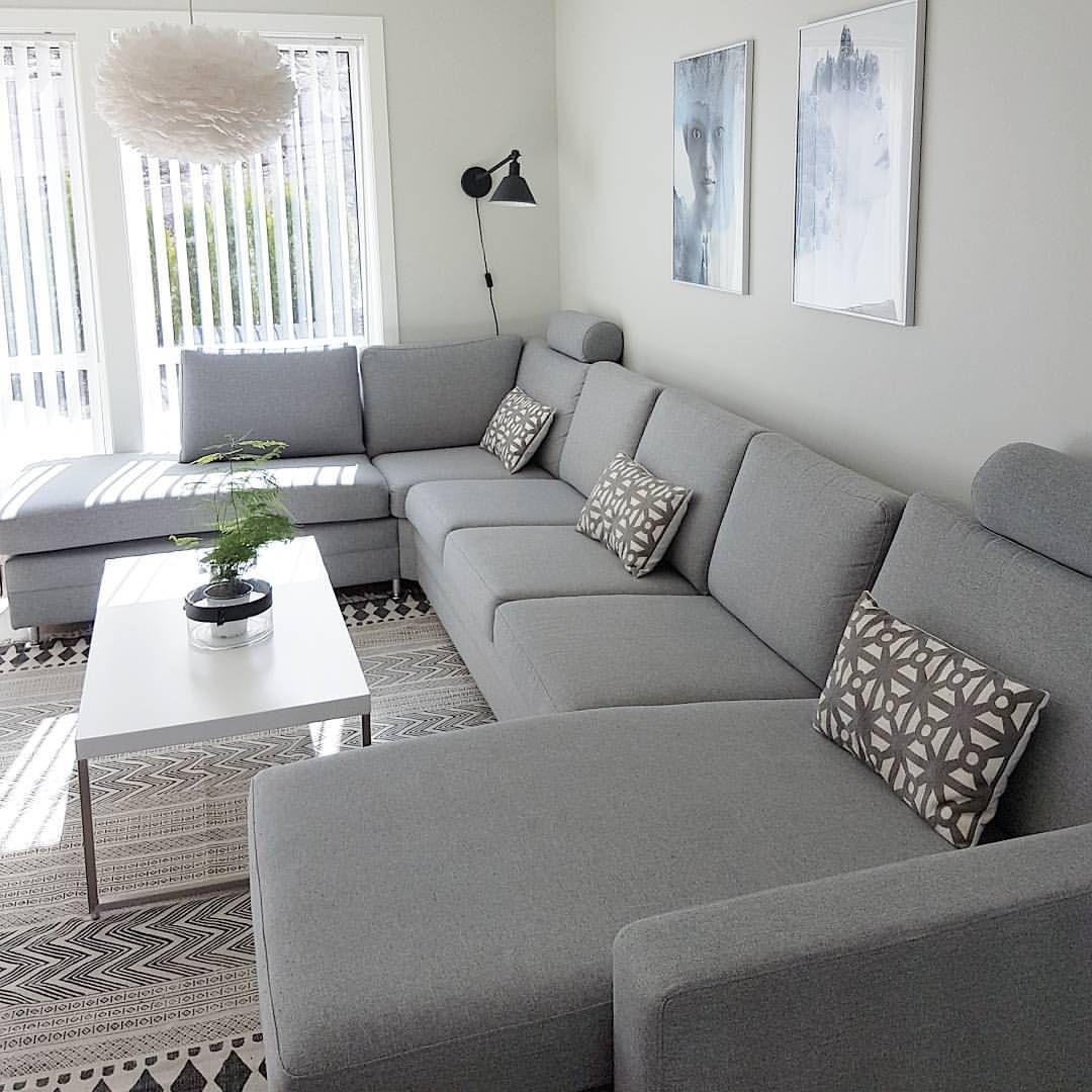 Krasivij Divan Stil Maye Mati Bili Abo Svitli Nizhki Vse Inshe Tak Sobi Living Room Sofa Design Living Room Decor Apartment Elegant Living Room