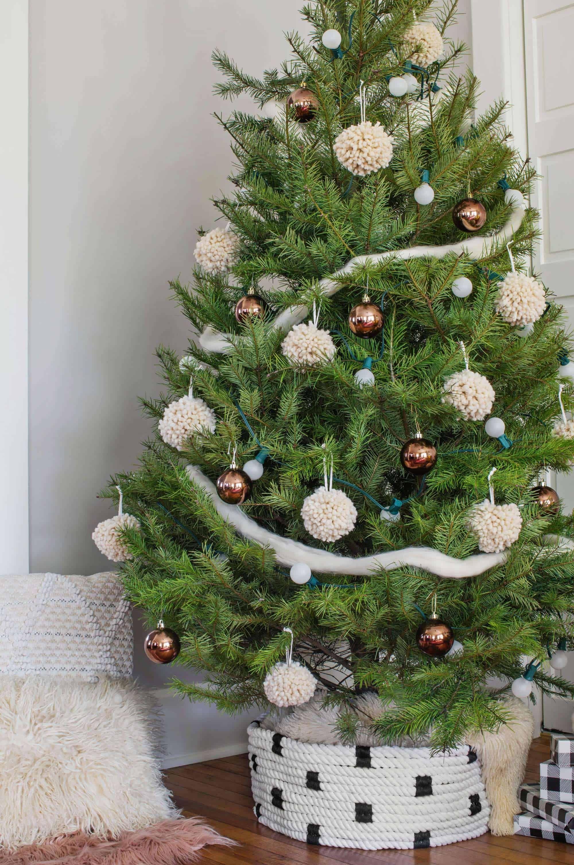 Rope Christmas Tree Collar DIY Diy christmas tree skirt