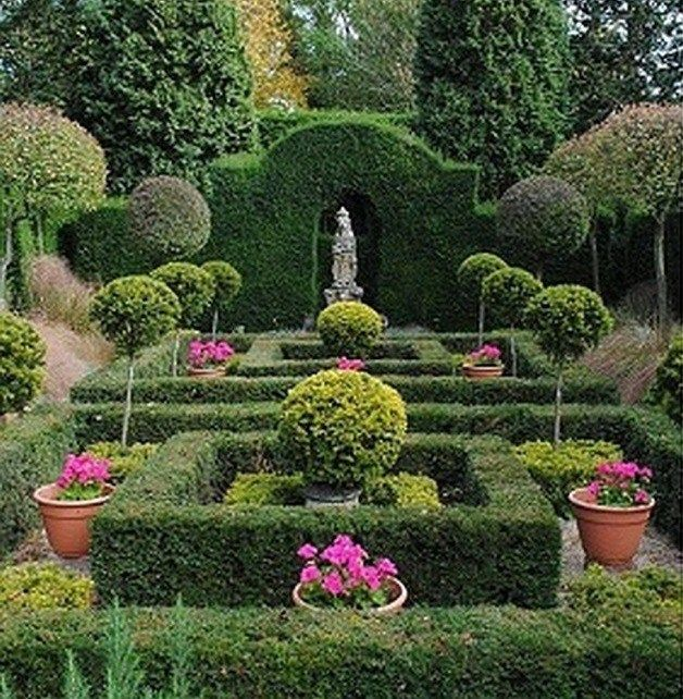 60+ Formal Garden Design Ideas_48