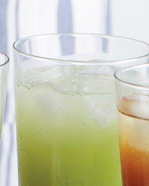 Agua-de-tuna,-limon-y-hierbabuena