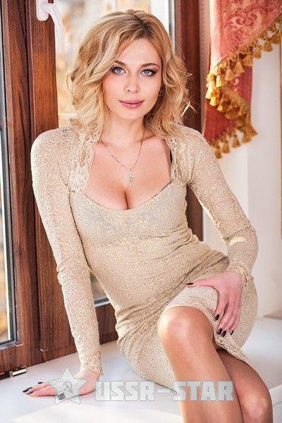 women-ukrainian-sexy-bride-chubby-interracial-threesome-pics